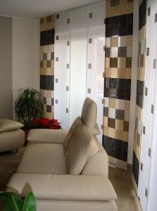 Raumgestaltung mit Gardinen und Polstermöbeln im Einklang